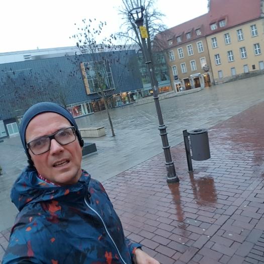 ...Berliner Platz, öder Platz bei ödem Wetter