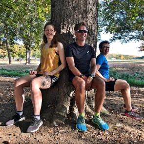 Wer den Schuh nicht sofort laufen will, der kann mit dem Escalante Boston Racer auch einfach nur am Baum sitzen 😏